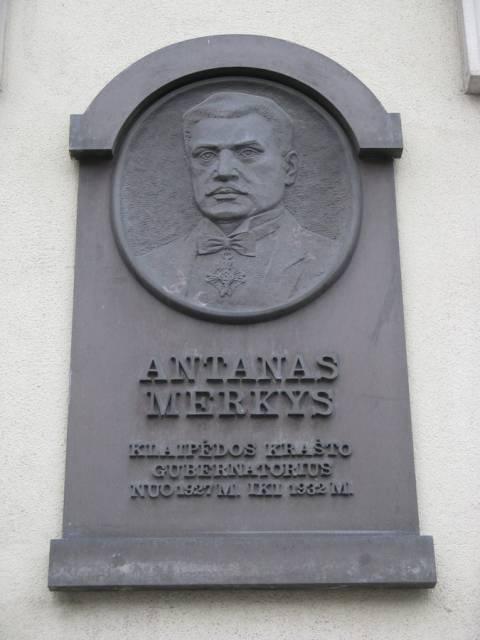 Gedenktafel an Antanas Merkys