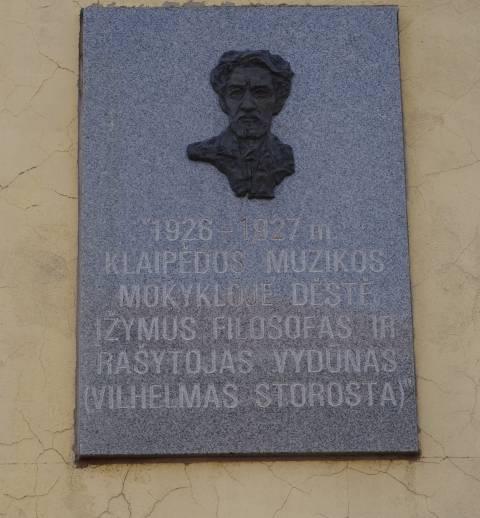 Atminimo lenta su bareljefu Vilhelmui Storastai - Vydūnui