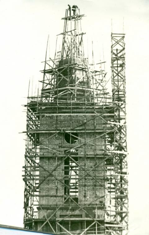 Kretingos katalikų bažnyčiai statomas naujas bokštas