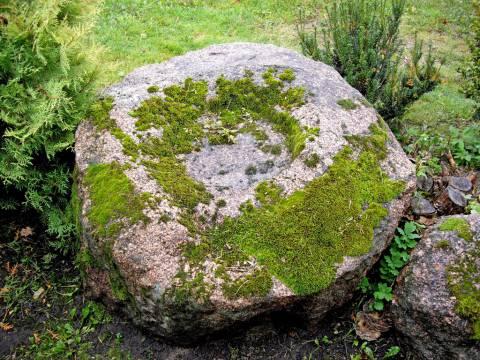Ūdralių akmuo