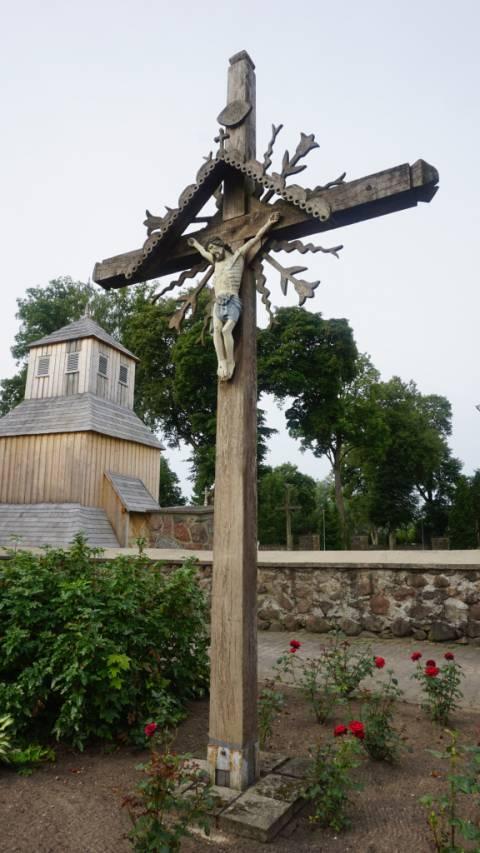 Kryžius Darbėnų apylinkės gyventojams, nukentėjusiems nuo 1940–1989 m. sovietinės okupacijos, atminti