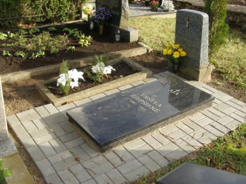 Partizanės Uršulės Riepšienės kapas