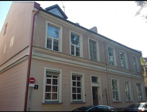 Building on Kurpių Street 2
