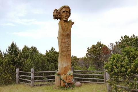 Memorial Carving to Liudvikas Rėza