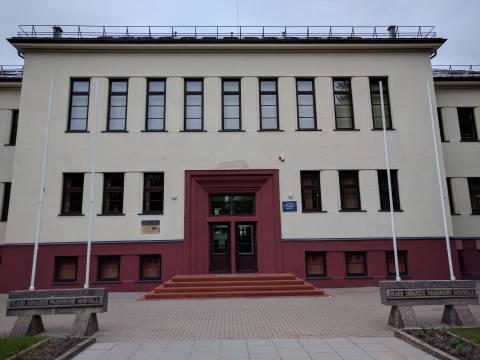 Vlado Jurgučio pagrindinės mokyklos fasadas (Kretingos g.)