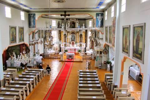 Alsėdžių bažnyčios vidus