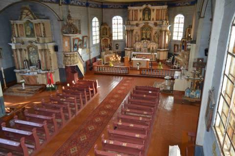 Platelių bažnyčios interjeras