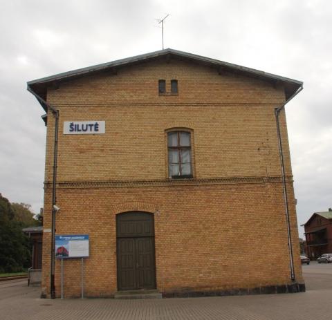 Geležinkelio stoties pastato šonas
