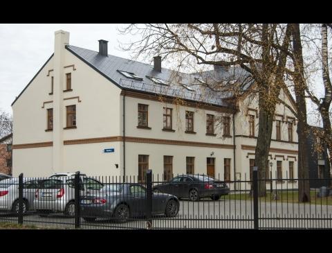 The Tauralaukis Manor