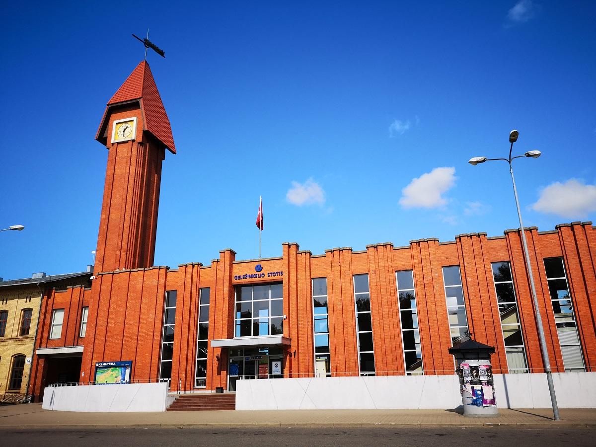 Naujasis raudonų plytų traukinių stoties pastatas