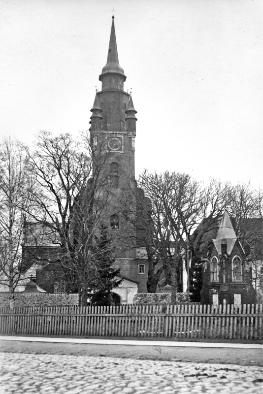 Kretingos katalikų bažnyčia ir šv. Jurgio koplyčia
