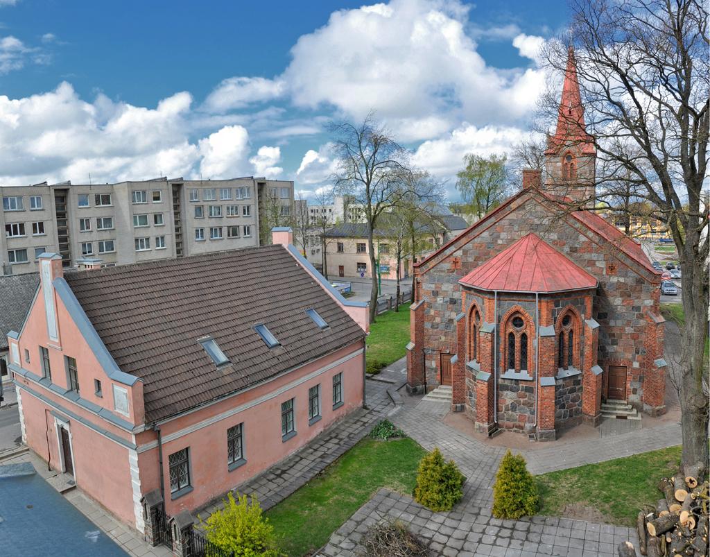 Kretingos evangelikų liuteronų bažnyčia ir parapijos namai