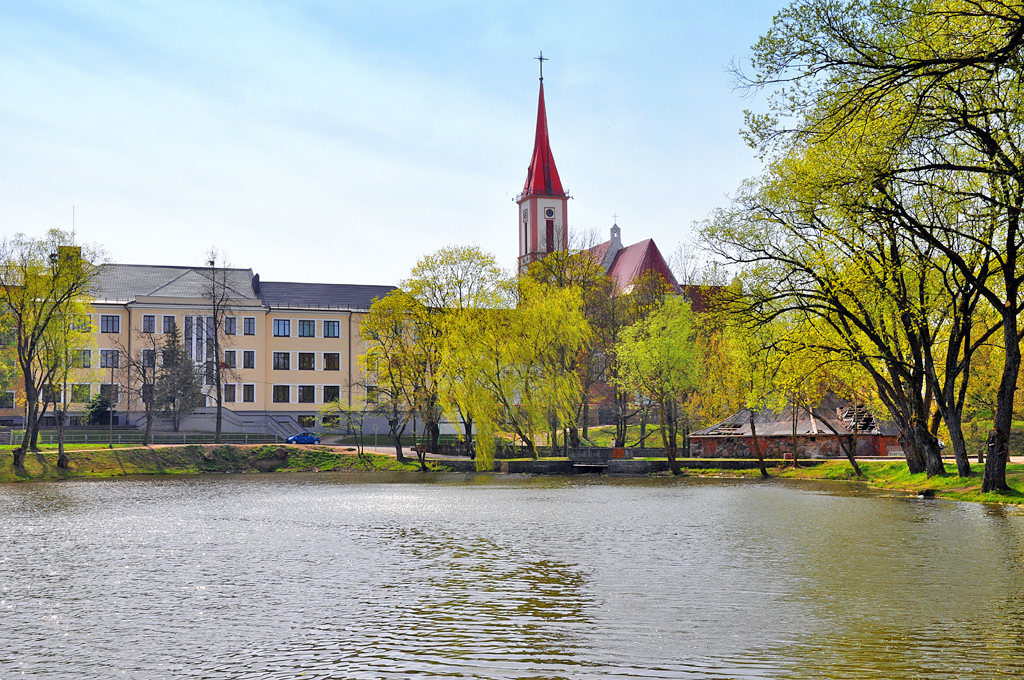 Kretingos katalikų bažnyčia ir Pranciškonų gimnazija