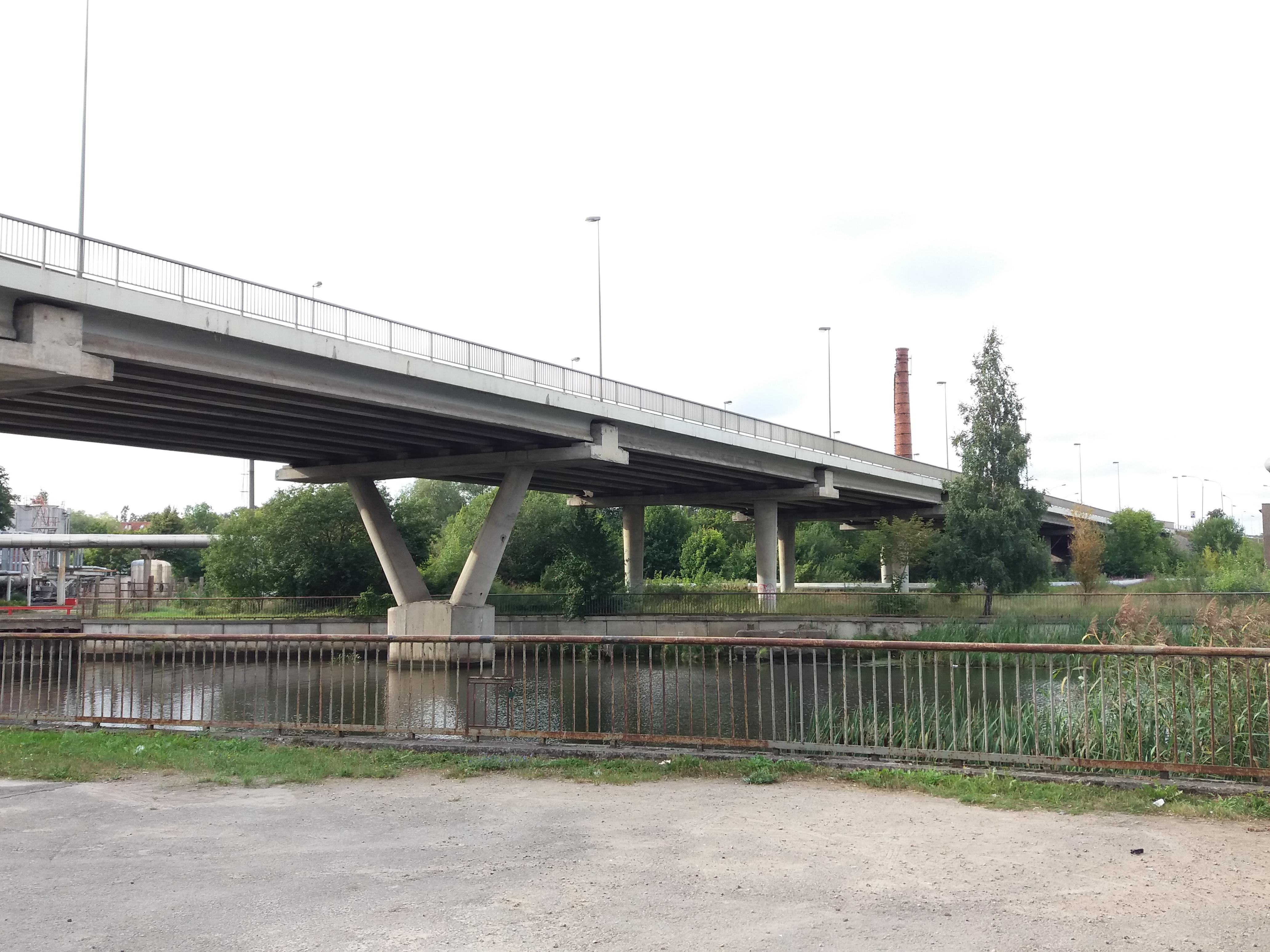Mokyklos gatvės tiltas nuo krantinės