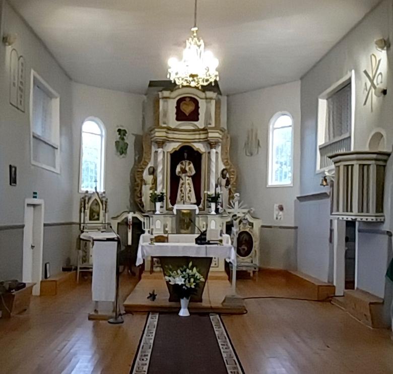 Gegrėnų bažnyčios interjeras