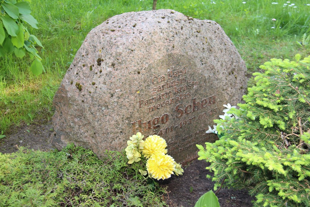 Paminklinis akmuo Hugo Šojui (Hugo Scheu)