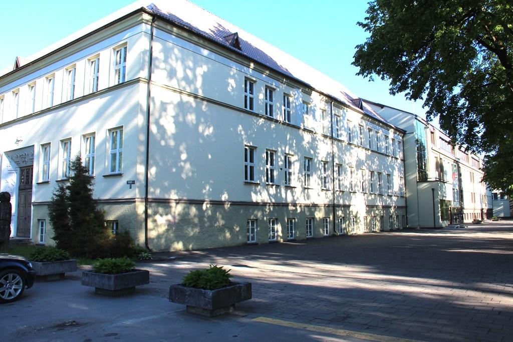 Šilutės pirmosios gimnazijos pastatas